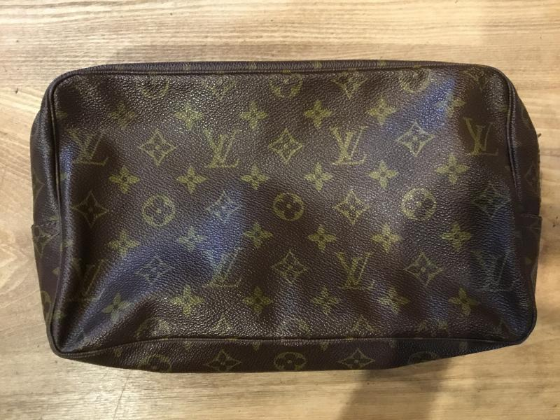 Louis Vuitton Trousse Toilette 28 $110.00