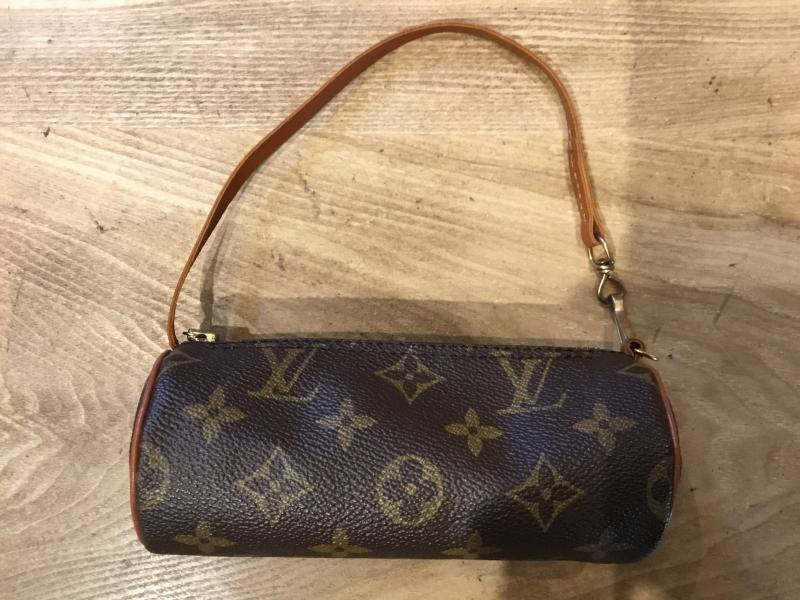 Louis Vuitton Pouch $110.00
