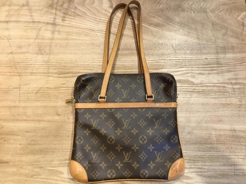 Louis Vuitton Coussin GM $490.00