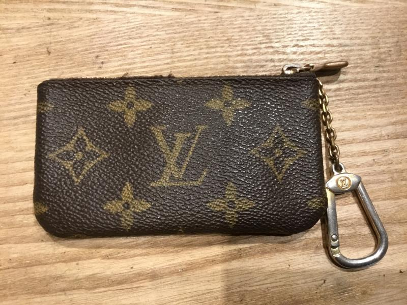 Louis Vuitton Pochette Clefs $100.00