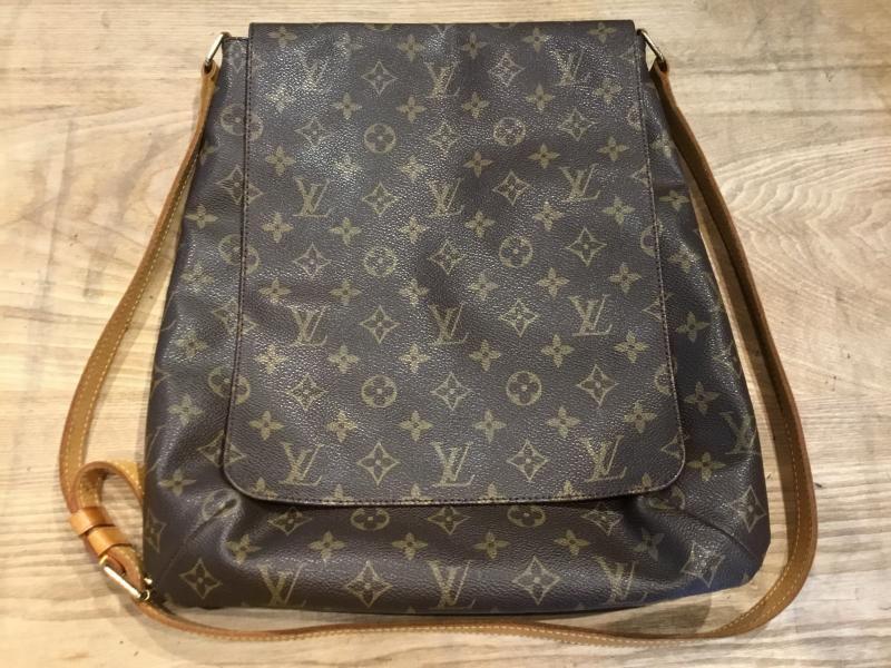 Louis Vuitton Musette $380.00