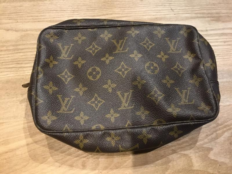 Louis Vuitton Trousse Toilette 23 $180.00