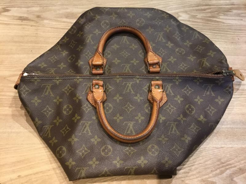 Louis Vuitton Speedy 40 $200.00