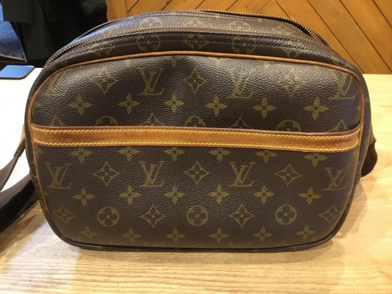 Louis Vuitton Reporter PM $280.00