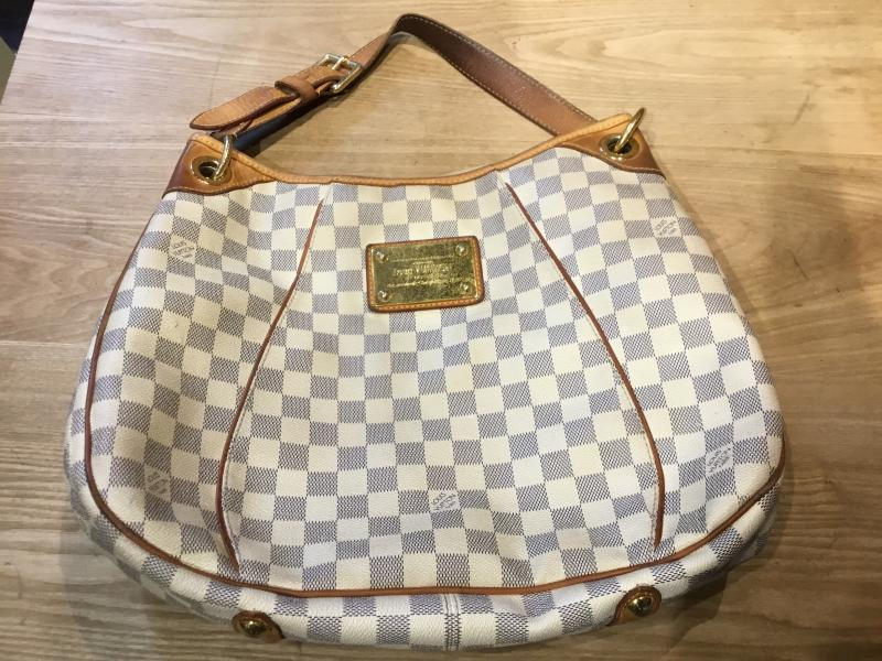 Louis Vuitton Gallieria PM $470.00