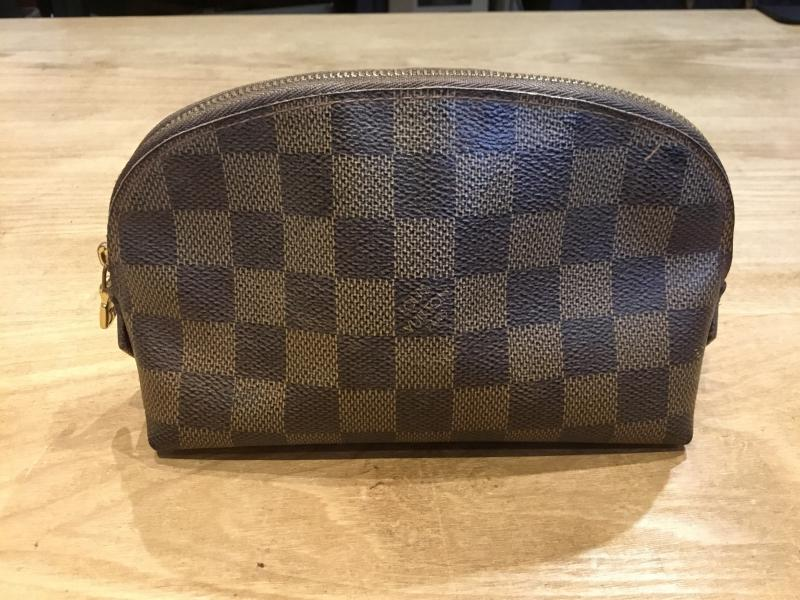 Louis Vuitton Pochette Cosmetique $110.00