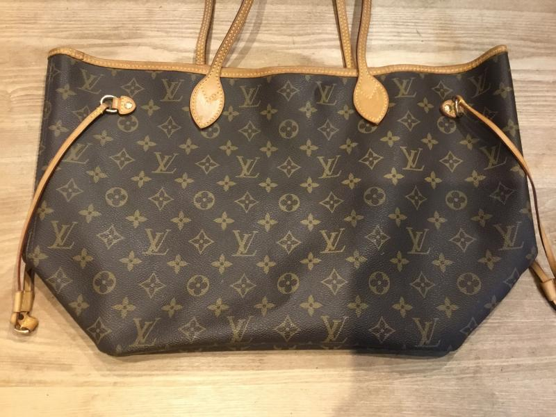 Louis Vuitton Neverfull MM $660.00