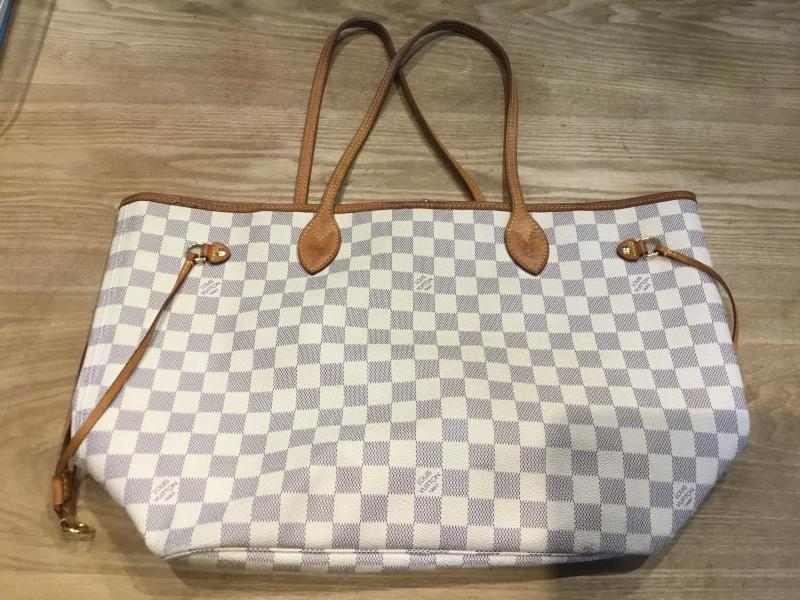 Louis Vuitton Neverfull MM $600.00