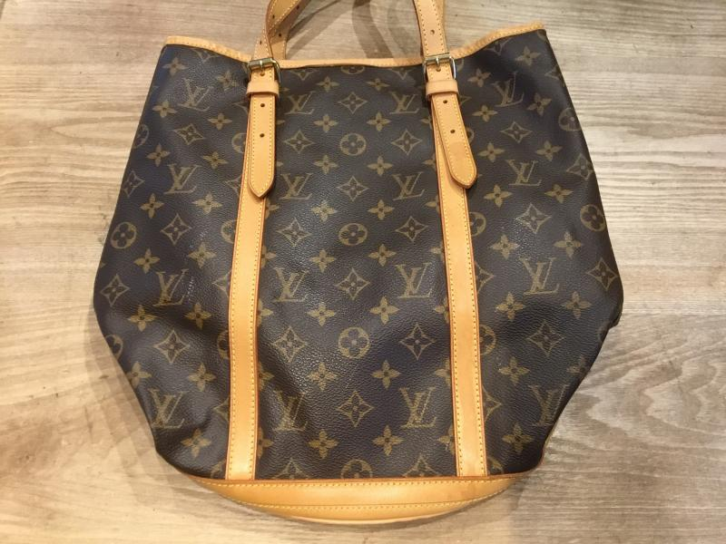 Louis Vuitton Bucket GM with pouch $270.00