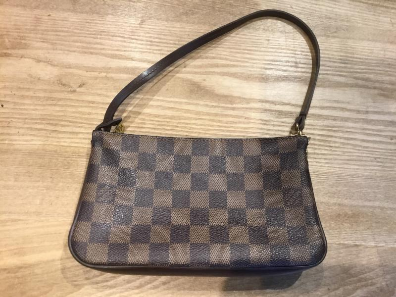 Louis Vuitton Navona $320.00