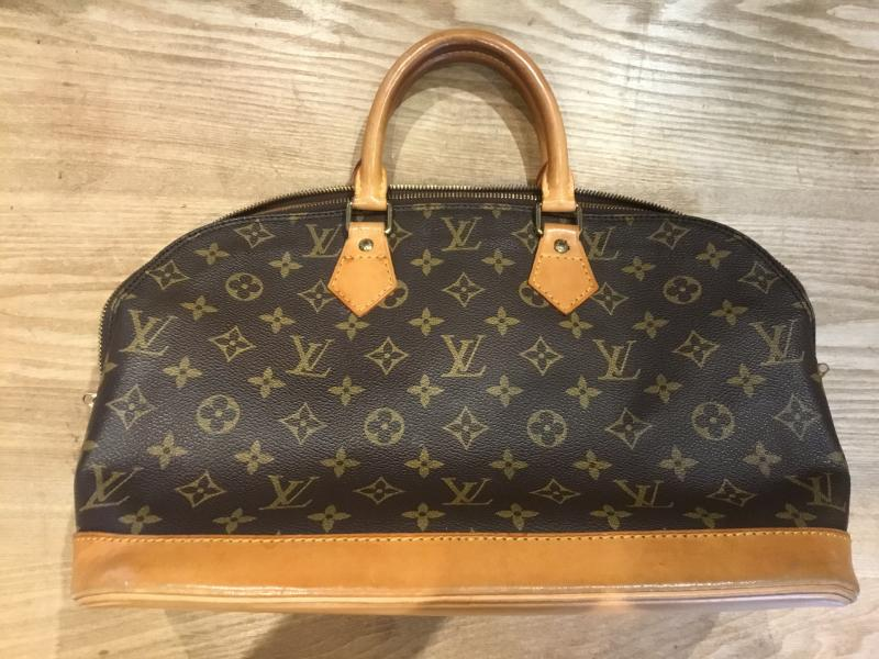 Louis Vuitton Alma $410.00