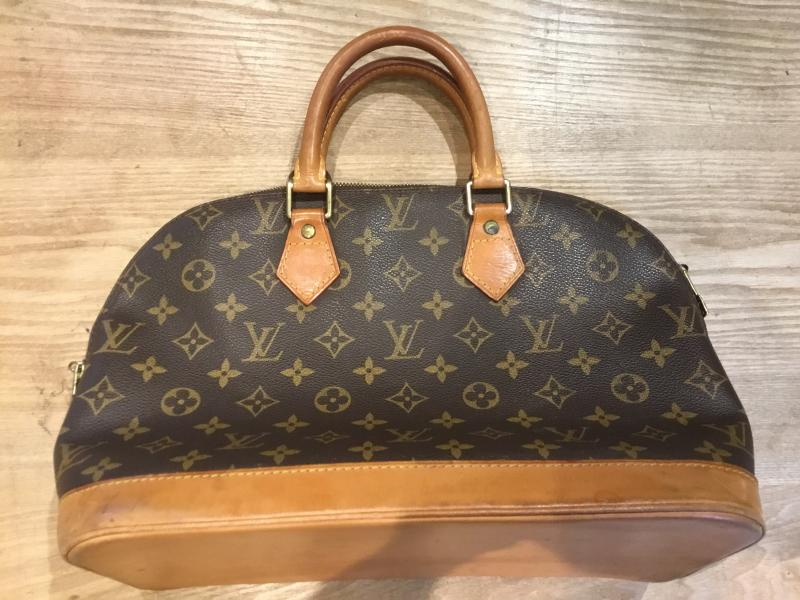 Louis Vuitton Alma $360.00