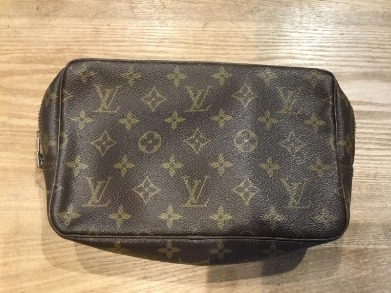 Louis Vuitton Trousse Toilette 23 $140.00