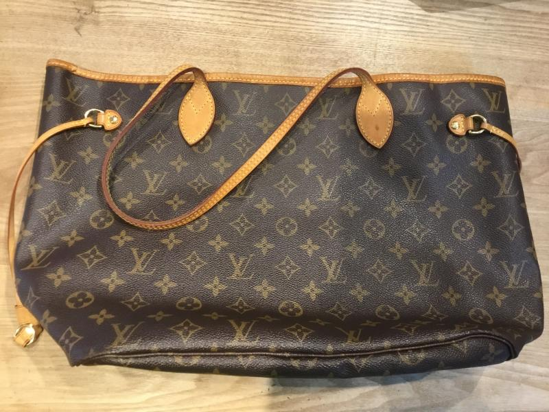 Louis Vuitton Neverfull MM $720.00