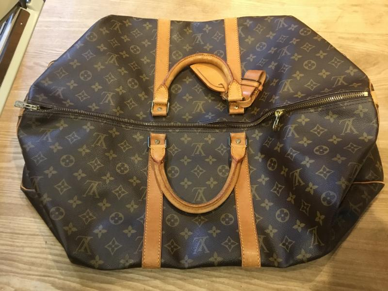 Louis Vuitton Keepall 55 Bandouliere with strap $620.00